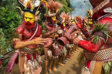 TV5 Canada: Huli Tribe