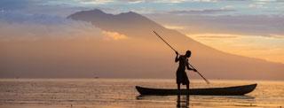 Papua New Guinea Fixer Kimbe island canoe